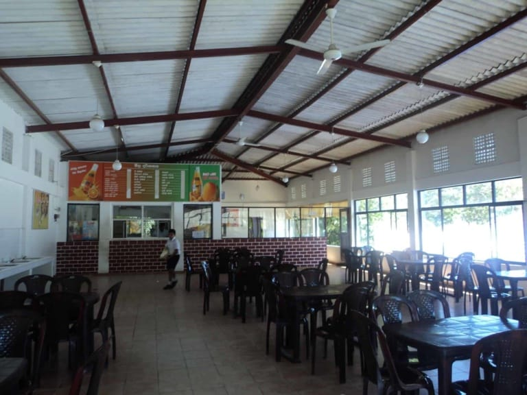 Cover Image For List : 11 Most Popular College Canteens In India