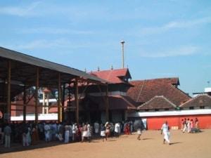 गुरुवायुर मन्दिर Guruvayur Temple (Guruvayur)