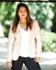 मोना मेशराम Mona Meshram
